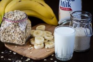 Oatmeal_Banana_Milk_Shake_DSC1831_05 (1)